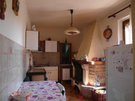 Image No.2-Villa / Détaché de 3 chambres à vendre à Caprese Michelangelo
