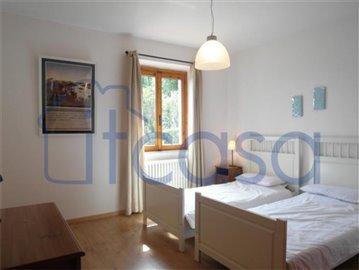 18-10-03-CM228-Bedroom-5