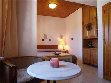 18-08-10-CM224-internal-bedroom