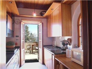 18-08-10-CM224-internal-kitchen