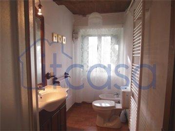 18-11-23-Manente-Int-bathroom1