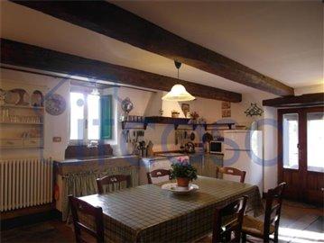 18-11-23-Manente-Int-kitchen-area