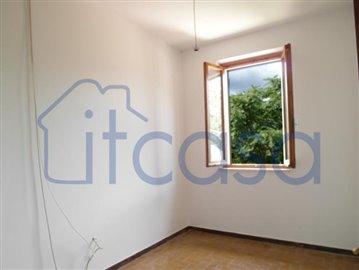 19-09-04-CM244-bedroom-3