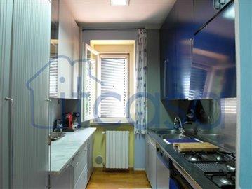 19-08-06-kitchen