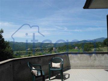 19-08-06-top-terrace