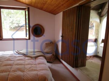 19-10-24-CM249-bedroom2c
