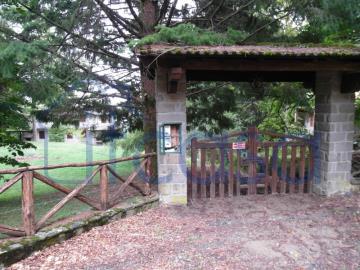 19-10-24-CM249-ext-entrance
