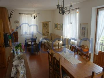 19-11-19-CM247-int-living-room2