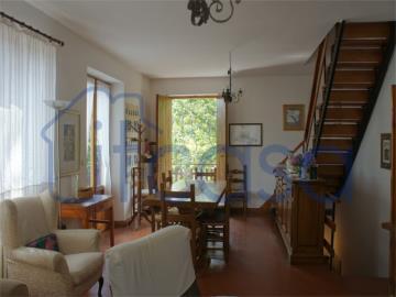 19-11-19-CM247-int-living-room