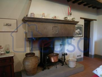 19-11-08-S246-Int-fireplace