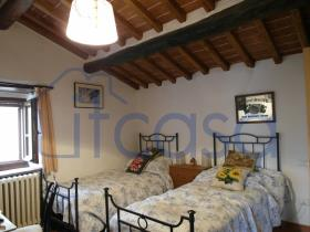 Image No.6-2 Bed Farmhouse for sale