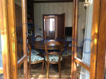20-04-17-CM254-int-living-room3-middle-fl