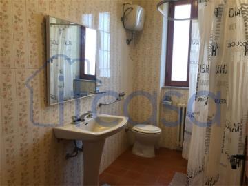 20-04-17-CM254-int-bathroom-lower-gr-fl