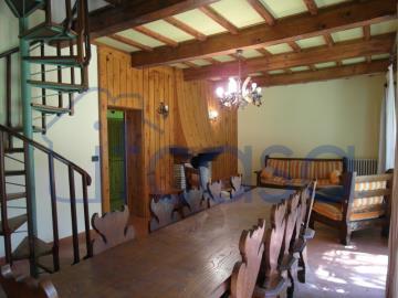 20-04-17-CM254-int-living-room1