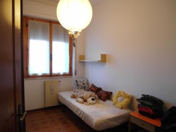 20-04-23-A253-bedroom3
