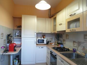 20-04-23-A253-kitchen