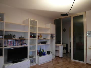 20-04-23-A253-living-room1