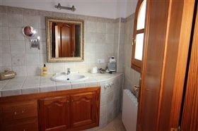 Image No.17-6 Bed House for sale