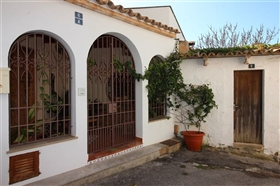 Image No.22-6 Bed House for sale