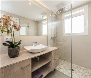 B13_2_Las Villas de Dalt de Sa Rapita_Bathroom_B7K3543.jpg