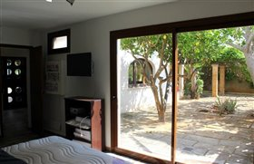 Image No.40-6 Bed Finca for sale