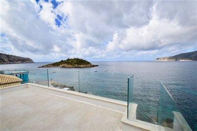 Amazing-frontline-Penthouse-San-Telmo-2Beds-Terrace-luxury-sea-access-Bconnectedmallorca8.jpg