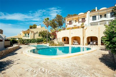 Seaview-Townhouse-Santa-Ponsa-2-Bedroom-Pool-Terrace-Parking-Bconnectedmallorca.com12.JPG
