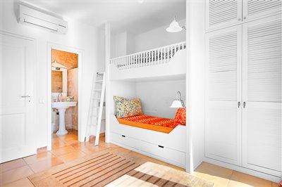 Seaview-Townhouse-Santa-Ponsa-2-Bedroom-Pool-Terrace-Parking-Bconnectedmallorca.com13.JPG