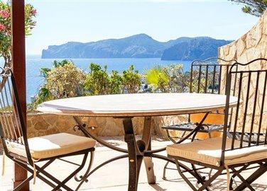 Seaview-Townhouse-Santa-Ponsa-2-Bedroom-Pool-Terrace-Parking-Bconnectedmallorca.com3.JPG