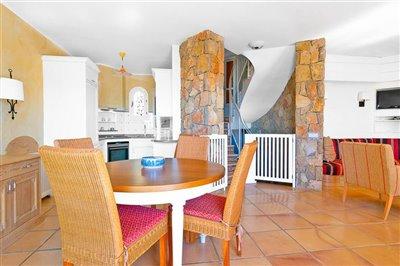 Seaview-Townhouse-Santa-Ponsa-2-Bedroom-Pool-Terrace-Parking-Bconnectedmallorca.com6.JPG