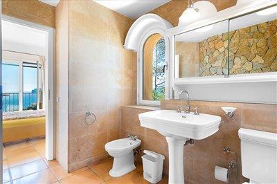 Seaview-Townhouse-Santa-Ponsa-2-Bedroom-Pool-Terrace-Parking-Bconnectedmallorca.com10.JPG