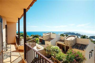 Seaview-Townhouse-Santa-Ponsa-2-Bedroom-Pool-Terrace-Parking-Bconnectedmallorca.com11.JPG