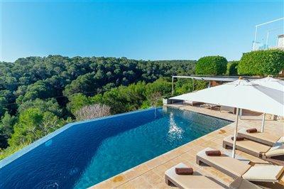 Front_line_Villa_in_Sol_de_Mallorca_23.jpeg