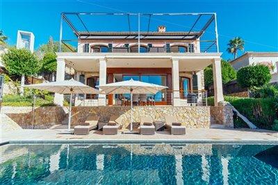 Front_line_Villa_in_Sol_de_Mallorca_35.jpeg