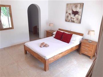 Bedroom2(2).jpg