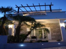 Image No.1-Villa de 5 chambres à vendre à Tivat