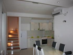 Image No.2-Villa de 5 chambres à vendre à Tivat