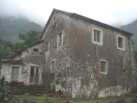 Image No.1-Maison de campagne de 5 chambres à vendre à Risan