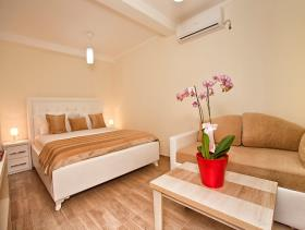 Image No.11-Maison / Villa de 3 chambres à vendre à Tivat