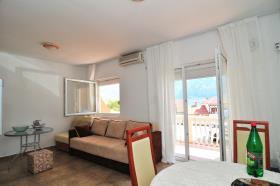 Image No.1-Appartement de 2 chambres à vendre à Prcanj