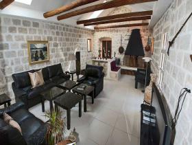 Image No.2-Villa / Détaché de 6 chambres à vendre à Kotor
