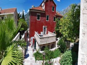 Image No.1-Villa / Détaché de 6 chambres à vendre à Kotor