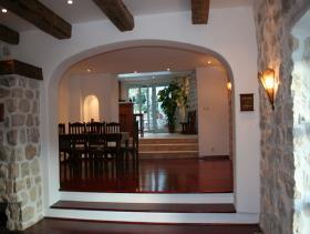 Image No.3-Maison / Villa de 7 chambres à vendre à Kotor