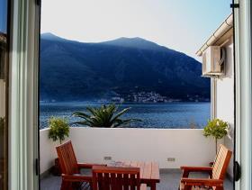 Image No.12-Maison / Villa de 7 chambres à vendre à Kotor