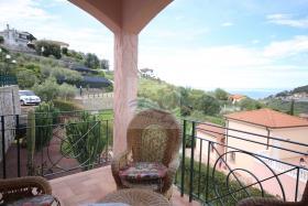 Image No.9-Villa de 4 chambres à vendre à Bordighera