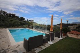 Image No.13-Villa de 4 chambres à vendre à Bordighera