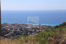 Vallecrosia, Land
