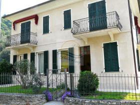 Isolabona, House