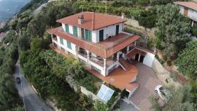 Ventimiglia, Villa