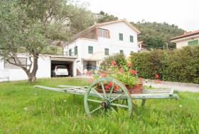 Camporosso, House